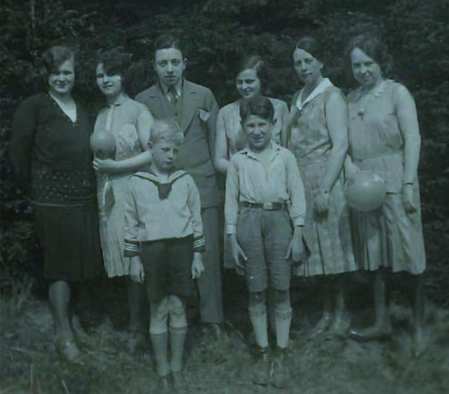 Eddie Jaku og familien i 1932.
